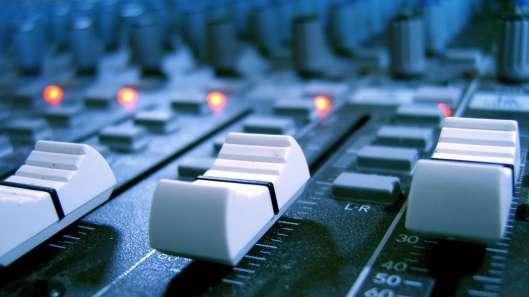 frecuencias-para-radio-y-tv-imagen-de-control-panel